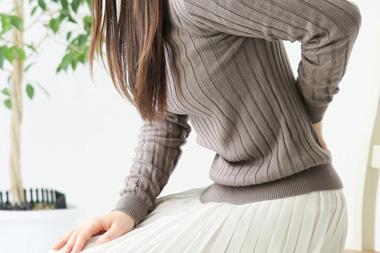 側弯から来る腰痛、背中の痛みを改善‼