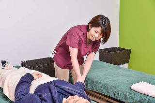 胸が痛い‼ 肋間神経痛の原因と改善させる治療法‼