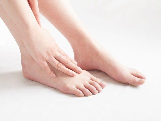足のだるさや疲労感 梅雨の時期のむくみ