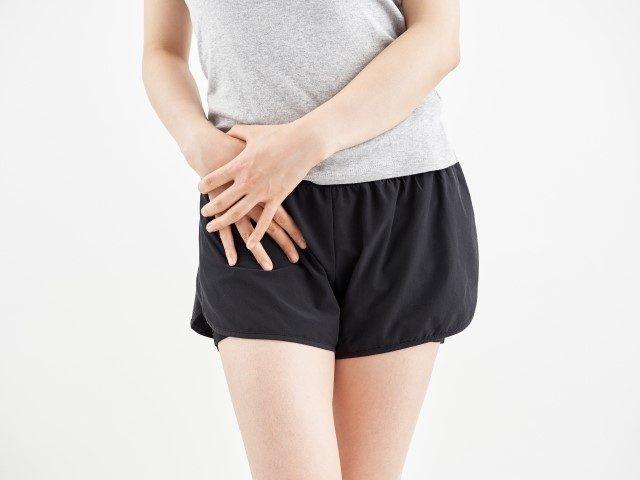 歩くたびに出る股関節の痛み、姿勢からくる事もあります。