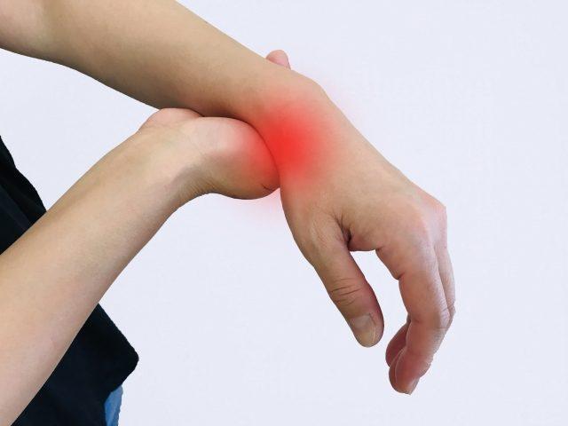 つらい腱鞘炎で手首が痛い方へ スポーツ障害