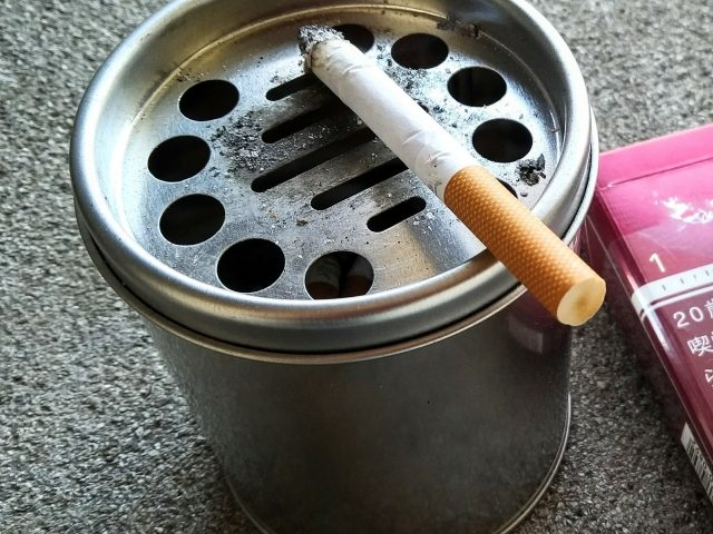タバコを吸うと頭痛をするのはなぜ?タバコと頭痛の関係
