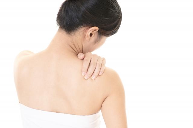 背中が痛い!!ぎっくり背中の予防と対策!!