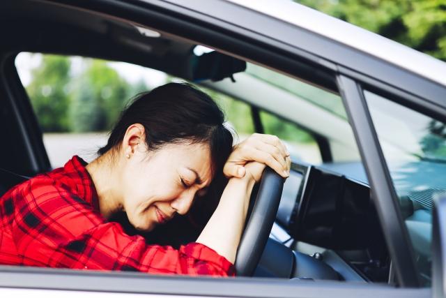 運転すると首こり、肩こりがつらい!長距離運転での症状でお困りの方へ