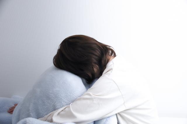 寝過ぎたあとの頭痛がつらい!!片頭痛、緊張型頭痛でお悩みの方へ